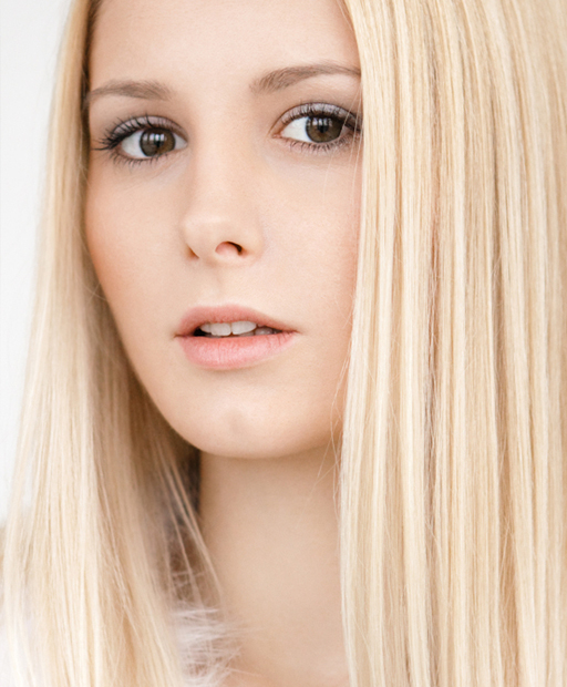 clip in hair extensions bleach blonde
